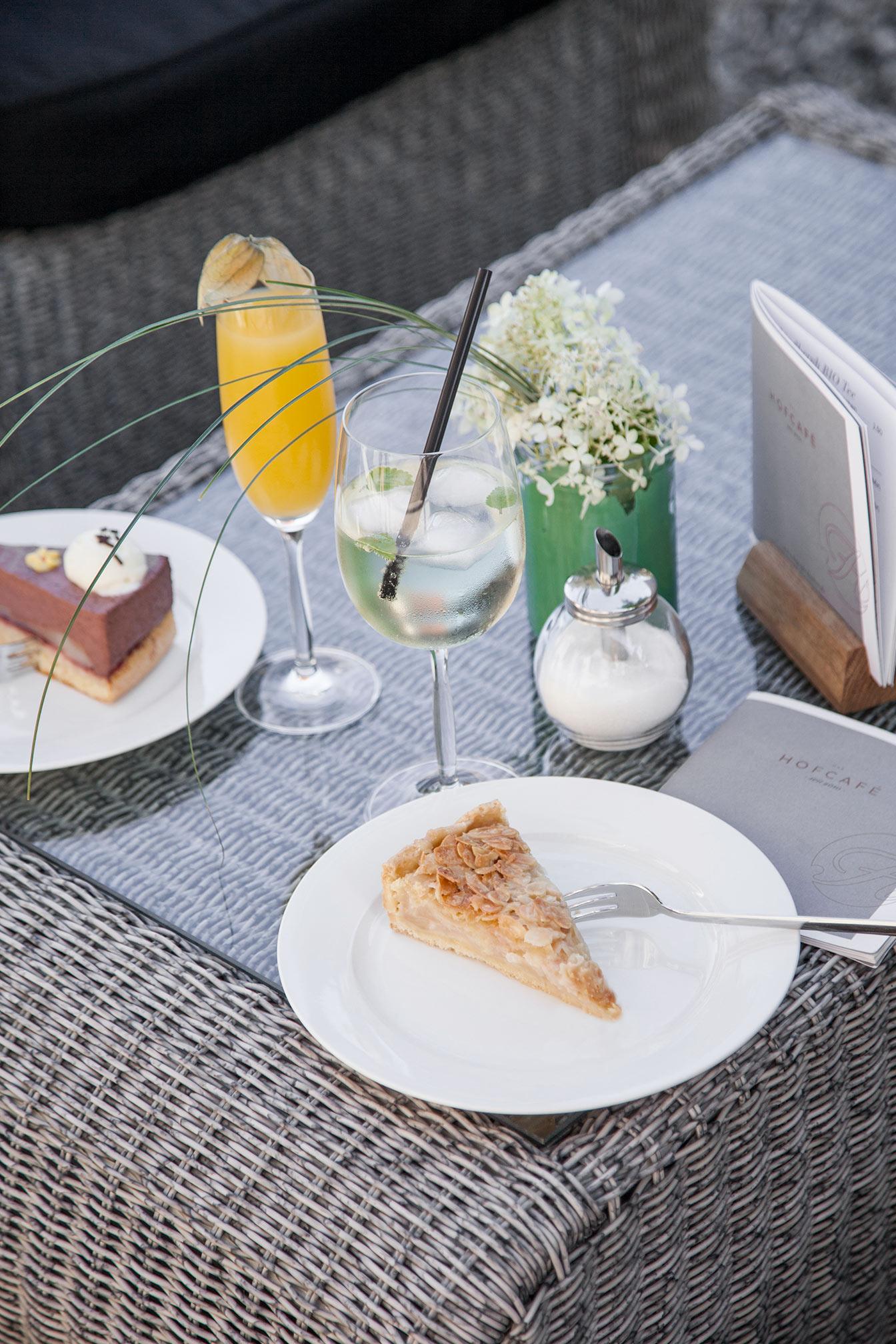 Hofcafé Lauben mit hausgemachten Torten und Kuchen
