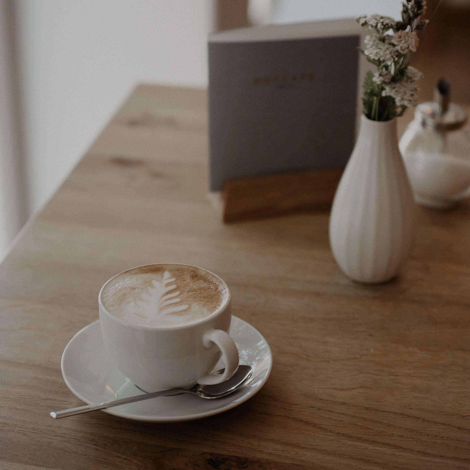 Kaffeeliebe im Hofcafé Lauben