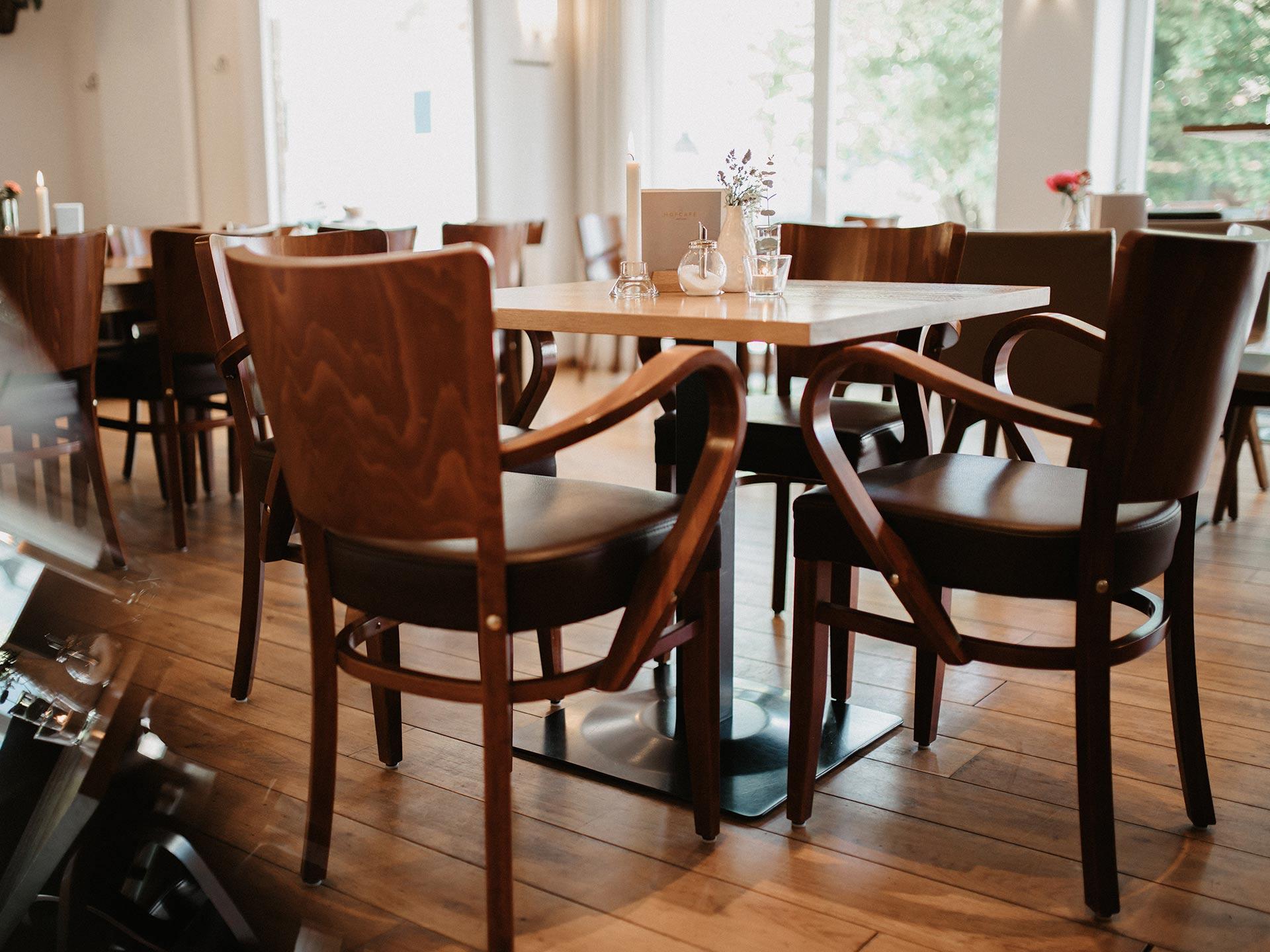 Zusammenkommen im Hofcafé Lauben