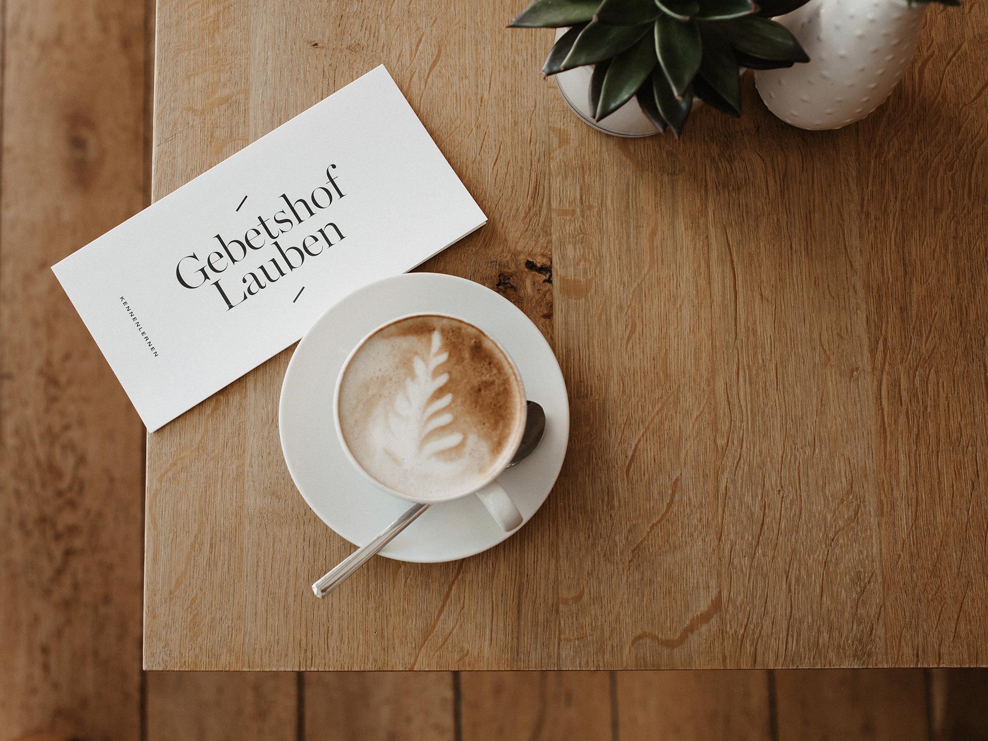 Kaffee genießen im Hofcafé Lauben