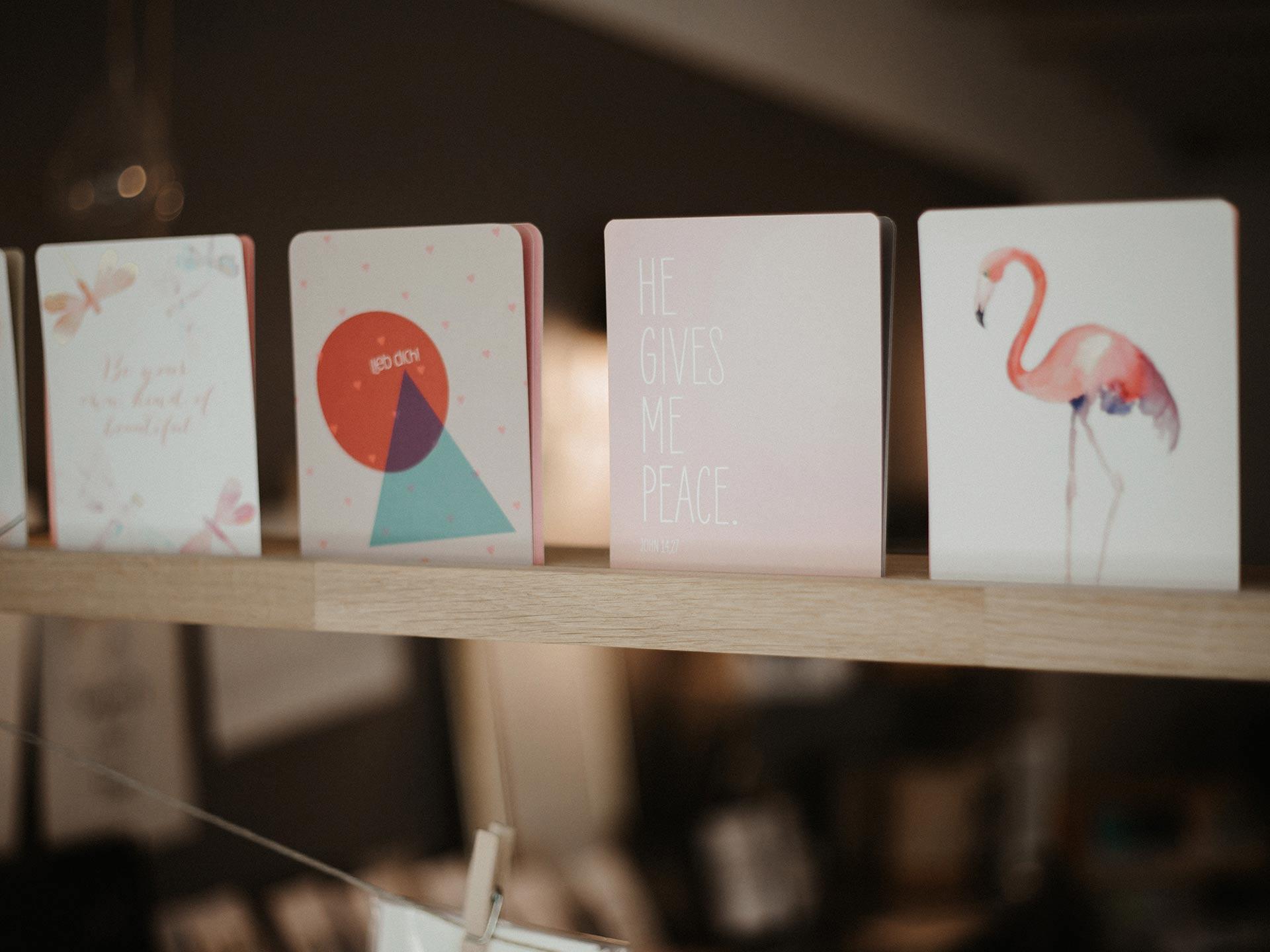 Karten stöbern... Shop im Hofcafé Lauben